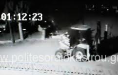 ΝΕΑ ΕΙΔΗΣΕΙΣ (Γκρέμισαν αυλόπορτα με μπουλντόζα και έκλεψαν δύο φορτηγά στο Ωραιόκαστρο (ΒΙΝΤΕΟ))