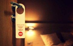 """ΝΕΑ ΕΙΔΗΣΕΙΣ (Ένοικοι ξενοδοχείων αποκαλύπτουν τα όσα ντροπιαστικά έκαναν πριν τους """"τσακώσει"""" το προσωπικό)"""