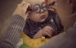ΝΕΑ ΕΙΔΗΣΕΙΣ (Συγκινεί ο μπέμπης με σπάνια ασθένεια στα μάτια που βλέπει για πρώτη φορά τη μητέρα του (ΒΙΝΤΕΟ))