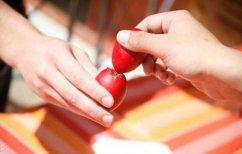 ΝΕΑ ΕΙΔΗΣΕΙΣ (Γιατί τσουγκρίζουμε αυγά το Πάσχα;)