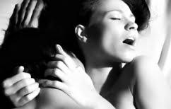 """ΝΕΑ ΕΙΔΗΣΕΙΣ (Πείτε """"ναι"""" στο πρωινό σεξ! Αυτά είναι τα 6 οφέλη που ίσως δεν γνωρίζατε)"""