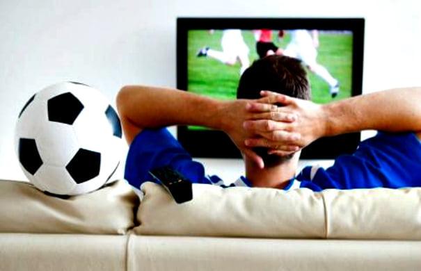 football-tv-fan-1954971
