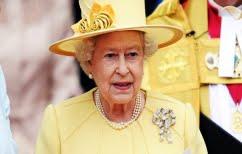 ΝΕΑ ΕΙΔΗΣΕΙΣ (Τι αμοιβή δίνει η βασίλισσα Ελισάβετ για τον βοηθό σεφ στο παλάτι)