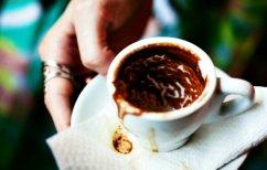 ΝΕΑ ΕΙΔΗΣΕΙΣ (Η e-καφετζού της Θεσσαλονίκης έχει ήδη διαβάσει 1.400 φλιτζάνια!)