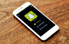 """ΝΕΑ ΕΙΔΗΣΕΙΣ (Το Snapchat αλλάζει και μπορεί πλέον να αποθηκεύει """"Αναμνήσεις"""")"""