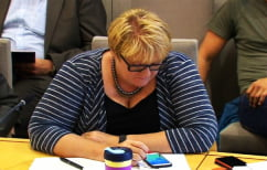 ΝΕΑ ΕΙΔΗΣΕΙΣ (Νορβηγίδα αρχηγός κόμματος «κυνηγούσε» Pokemon στη Βουλή)