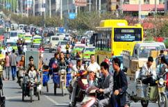 """ΝΕΑ ΕΙΔΗΣΕΙΣ (Απίστευτη """"μάχη"""" μεταξύ οδηγών στην Κίνα – Δεν φαντάζεστε τι κατάληξη είχε (ΒΙΝΤΕΟ))"""