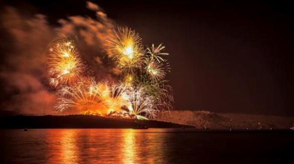 volcano_santorini