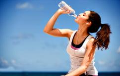 ΝΕΑ ΕΙΔΗΣΕΙΣ (Πίνετε μισό λίτρο πριν από κάθε γεύμα -Το νερό μας βοηθάει να χάσουμε 1 κιλό το μήνα)