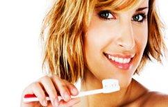 ΝΕΑ ΕΙΔΗΣΕΙΣ (Τα τρία πιο συχνά λάθη στο βούρτσισμα των δοντιών)