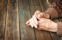ΝΕΑ ΕΙΔΗΣΕΙΣ (Ενδείξεις για σταδιακή μείωση των περιστατικών άνοιας στους ηλικιωμένους)