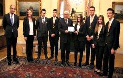 ΝΕΑ ΕΙΔΗΣΕΙΣ (Πρώτη στον κόσμο σε σχολικό διαγωνισμό τεχνολογίας ομάδα μαθητών από τη Θεσσαλονίκη)