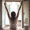 ΝΕΑ ΕΙΔΗΣΕΙΣ (Τα 7 πράγματα που δεν πρέπει να κάνετε με το που ξυπνάτε)