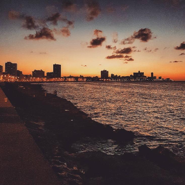 Εδώ, το βλέπετε το ηλιοβασίλεμα...