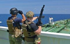 ΝΕΑ ΕΙΔΗΣΕΙΣ (Πειρατές ζητούν λύτρα για αποδέσμευση τάνκερ στη Σομαλία)