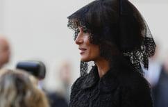 ΝΕΑ ΕΙΔΗΣΕΙΣ (Η Μελάνια Τραμπ με μαύρο μαντίλι στο Βατικανό)