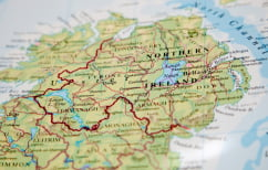 ΝΕΑ ΕΙΔΗΣΕΙΣ (Οι Ιρλανδοί Ενωτικοί με τη Μέι -Το Σιν Φέιν δεν θα καταλάβει τις έδρες του)