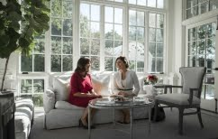 ΝΕΑ ΕΙΔΗΣΕΙΣ (Με τη σύζυγο του Αντιπροέδρου των ΗΠΑ συναντήθηκε η Μπέττυ Μπαζιάνα)