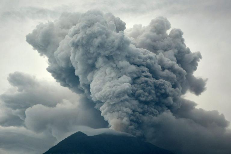 indonesia_volcano1-768x512