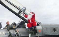 ΝΕΑ ΕΙΔΗΣΕΙΣ (Στη Λάρισα ο Άγιος Βασίλης έφτασε με… F-16 [BINTEO])