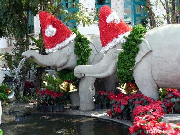 ChristmasElephantsThailandThaizer1