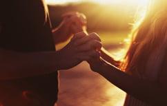 ΝΕΑ ΕΙΔΗΣΕΙΣ (Επιστήμονες επιβεβαιώνουν: Οι μικρές χειρονομίες δείχνουν αγάπη)
