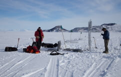 ΝΕΑ ΕΙΔΗΣΕΙΣ (Ο φαύλος κύκλος του καιρού: Ρεκόρ χιονοπτώσεων στην Ανταρκτική φέρνει περισσότερες βροχές στον πλανήτη)