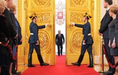 ΝΕΑ ΕΙΔΗΣΕΙΣ (Ρωσία: Για τέταρτη φορά πρόεδρος o Πούτιν-Η εντυπωσιακή τελετή ορκωμοσίας (βίντεο))