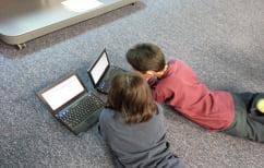 ΝΕΑ ΕΙΔΗΣΕΙΣ (Πιο αδρανή σωματικά τα παιδιά που περνάνε ώρες μπροστά σε οθόνες, λέει έρευνα)