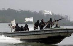 ΝΕΑ ΕΙΔΗΣΕΙΣ (Πειρατές σκότωσαν 4 άνδρες του Πολεμικού Ναυτικού Νιγηρίας, απήγαγαν 3 ξένους)