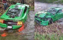 Green_Mustang_Crash_boi_1
