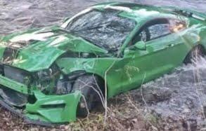 Green_Mustang_Crash_boi_2