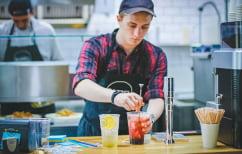 ΝΕΑ ΕΙΔΗΣΕΙΣ (Έρευνα: Οι εργαζόμενοι νιώθουν ανασφάλεια και περιμένουν μείωση μισθών)