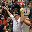 ΝΕΑ ΕΙΔΗΣΕΙΣ (Ο αρχηγός της Αστυνομίας της Νέας Υόρκης γονατίζει για τον Τζορτζ Φλόιντ (video))