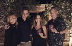 ΝΕΑ ΕΙΔΗΣΕΙΣ (Το δείπνο Τομ Χανκς – Κυριάκου Μητσοτάκη μετά των συζύγων τους στην Αντίπαρο)
