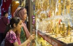 ΝΕΑ ΕΙΔΗΣΕΙΣ (Reuters: Οι Τούρκοι στην ουρά στο Μεγάλο Παζάρι για να αγοράσουν χρυσό)
