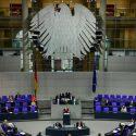 ΝΕΑ ΕΙΔΗΣΕΙΣ (Σθεναρή αντίδραση από την αντιπολίτευση στη συνέχιση του lockdown στη Γερμανία)