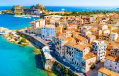 ΝΕΑ ΕΙΔΗΣΕΙΣ (Η Daily Mail αποθεώνει την Κέρκυρα – Περιγράφει μια μέρα τον Νοέμβριο στο νησί)