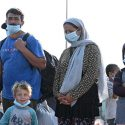 ΝΕΑ ΕΙΔΗΣΕΙΣ (Guardian: Χιλιάδες πρόσφυγες στην Ελλάδα κινδυνεύουν να μείνουν στον δρόμο)