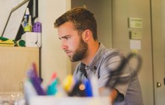 ΝΕΑ ΕΙΔΗΣΕΙΣ (Τι είναι και πώς λειτουργούν οι υπερωρίες και η διευθέτηση του χρόνου εργασίας;)
